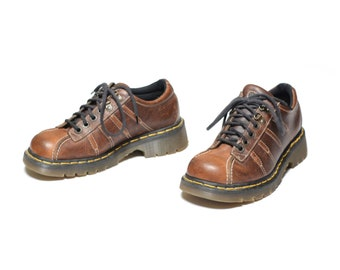 f482b76bbaf88a vintage 90s Dr. Martens brown leather shoe chunky grunge low boot UK 6 Doc  Martens shoe chunky 90s shoe 9764