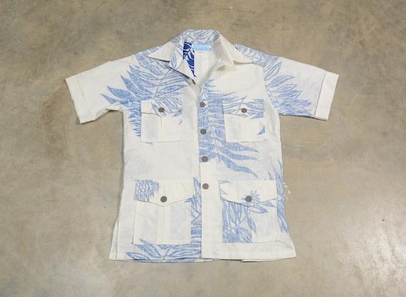vintage 60s Hawaiian shirt blue frond leaf pattern
