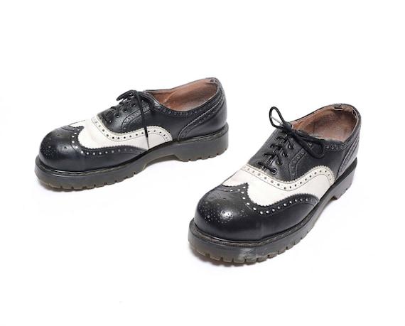 Vintage des années 90 végétarien végétarien végétarien chaussures noir blanc spectateur aile oxford liane rockabilly Doc Martens style brogue chaussures pour homme 9 01e367