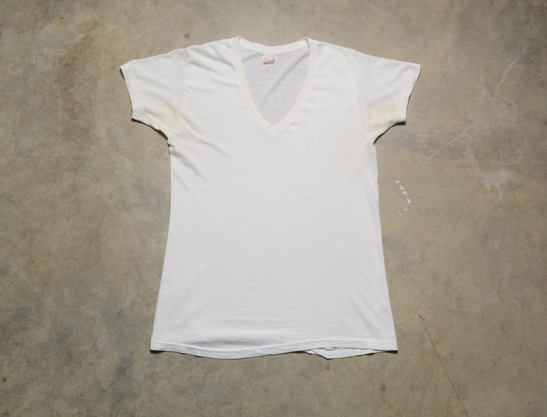 Vtg 80s Hanes Plain White T-Shirt SMALL 34//36 Blank 100/% Cotton Made In USA NOS