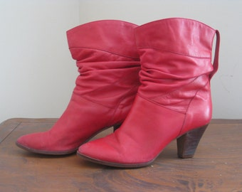 vintage red slouchy cowboy ankle boots size 7.5