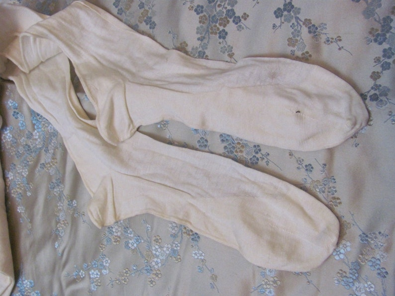 Antique Vintage Seamed Ivory Cotton Stockings For Ladies Early Century