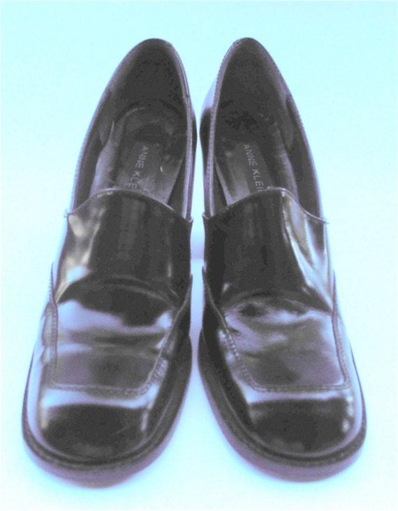 Vintage Black Leather Narrow Ladies
