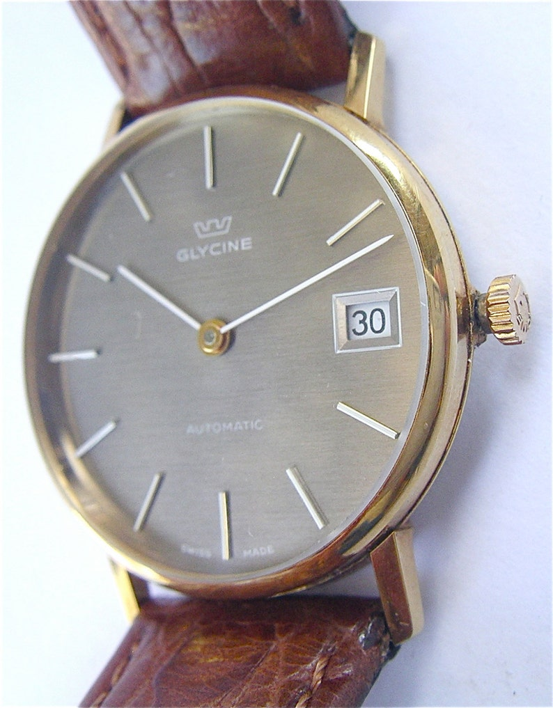 Vintage Glycine Mens Dress Watch Gold Plated Automatic Date Model 832522 Stainless Steel 33mm Brown Round Dial Swiss Signed Crown 18mm Wrist