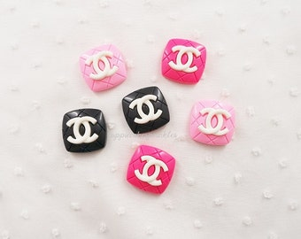 3pcs - Quilted Kitschy White Logo Square Mix Decoden Cabochons (25mm) CHL017