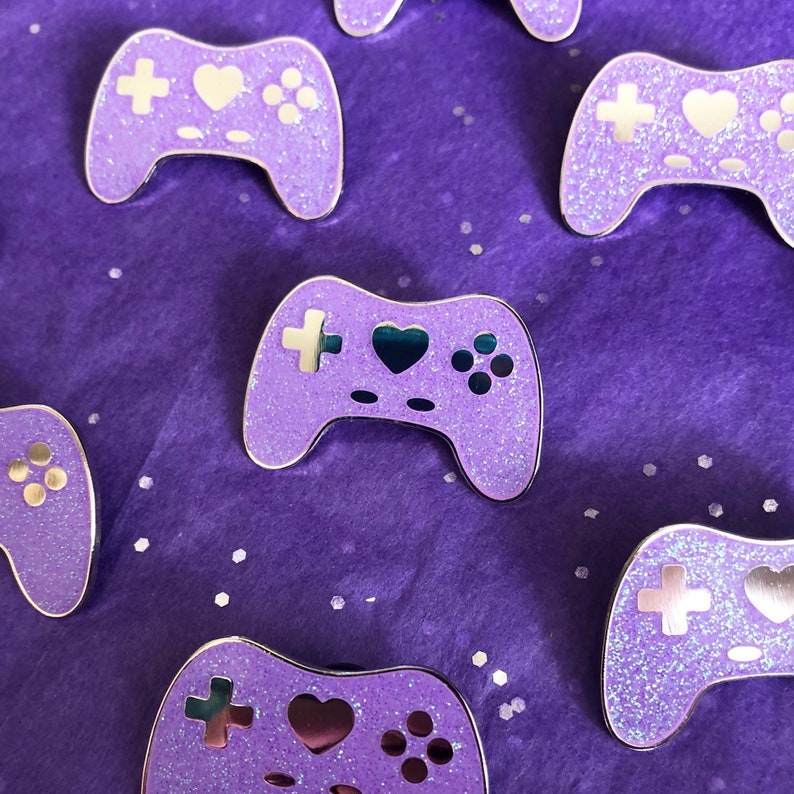 GeekyGlamorous Controller Pin  Purple Glitter image 0