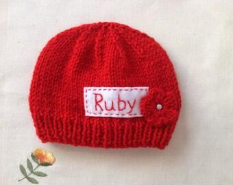 Nouveau-né photo prop, chapeau nouveau-né rouge, personnalisé bonnet pour  nouveau-né, fille nouveau-né, chapeau bébé monogramme, Accessoires bébé, ... 92d59a283ad