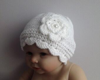nouveau-né photo prop, joli bonnet blanc avec grande fleur, chapeau de bébé  en tricot, fille nouveau-née, chapeau de bébé, nouveau-né chapeau, blanc  bonnet ... 6a9101695e6