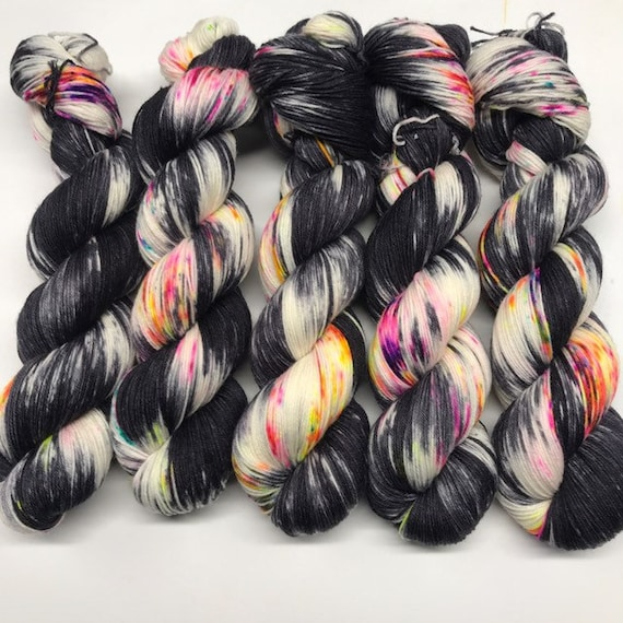 Polwarth wool DK yarn gradient kit 1625yds grey gradient with neon speckles 5 skeins