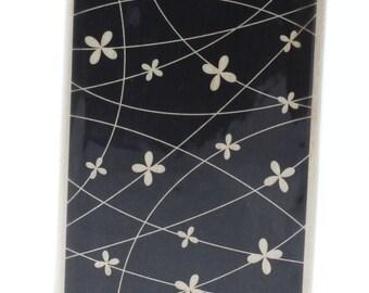Hampton Art Ditsy Flower Design Negative Space Rubber Stamp