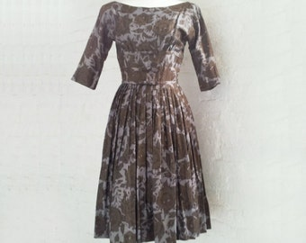 33b04769ce7 1950s Gray Floral Dress 50s Vintage Jonathan Logan Fit and Flare Full  Pleated Skirt Shelf Bust Small XS Grey New Look Garden Party Dress