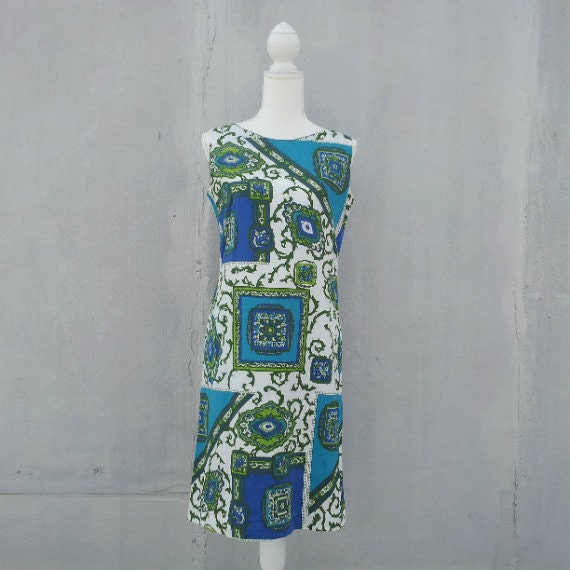 White Shift Dress 60s Vintage Mod Art Novelty Prin