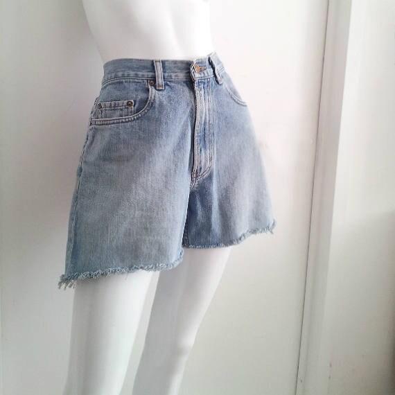 7f53987bc8 High Waisted Jeans Shorts 90s Vintage Denim Cutoffs Gap 32