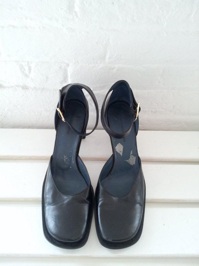 Black Mary Jane Pumps 8.5 9.5 39 90s Vintage Ankle Strap Square Toe Chunky Curved Thorn Avant Garde High Heel MaryJane BCBG Minimalist Shoes