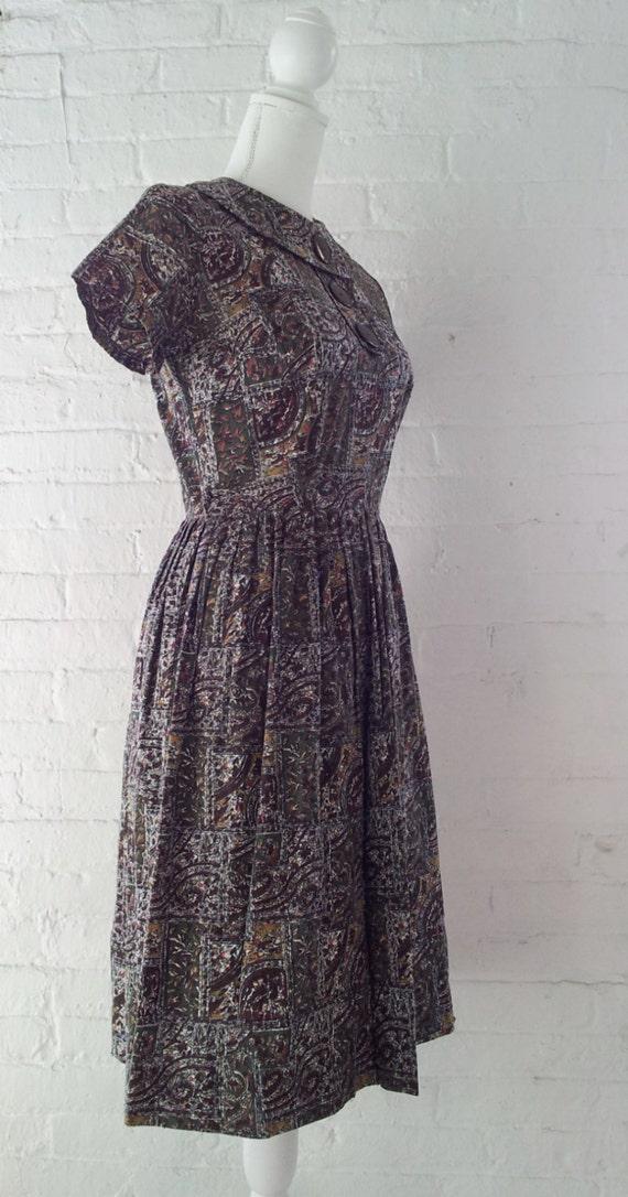 1960s Novelty Print Dress Vintage Fit and Flare D… - image 4
