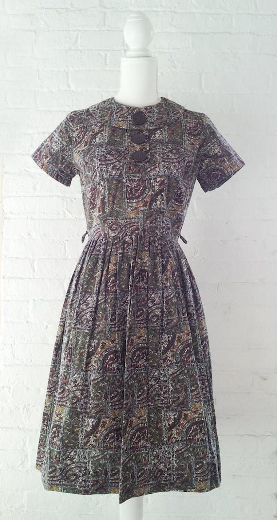 1960s Novelty Print Dress Vintage Fit and Flare D… - image 2