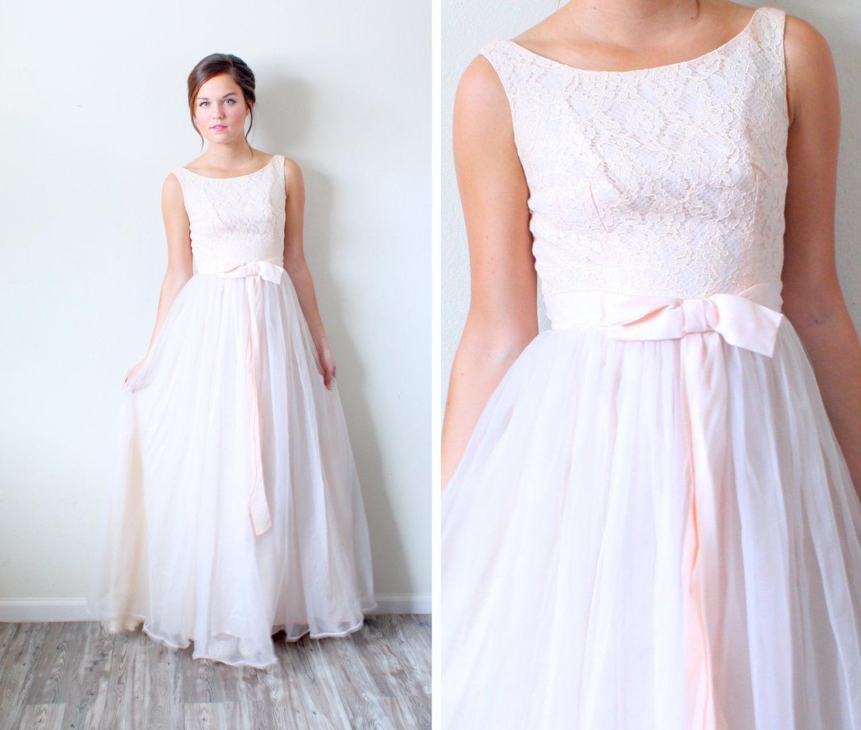 Vintage Wedding Dresses Etsy: Vintage Lace Peach // Wedding Dress // Lace Top // Peach