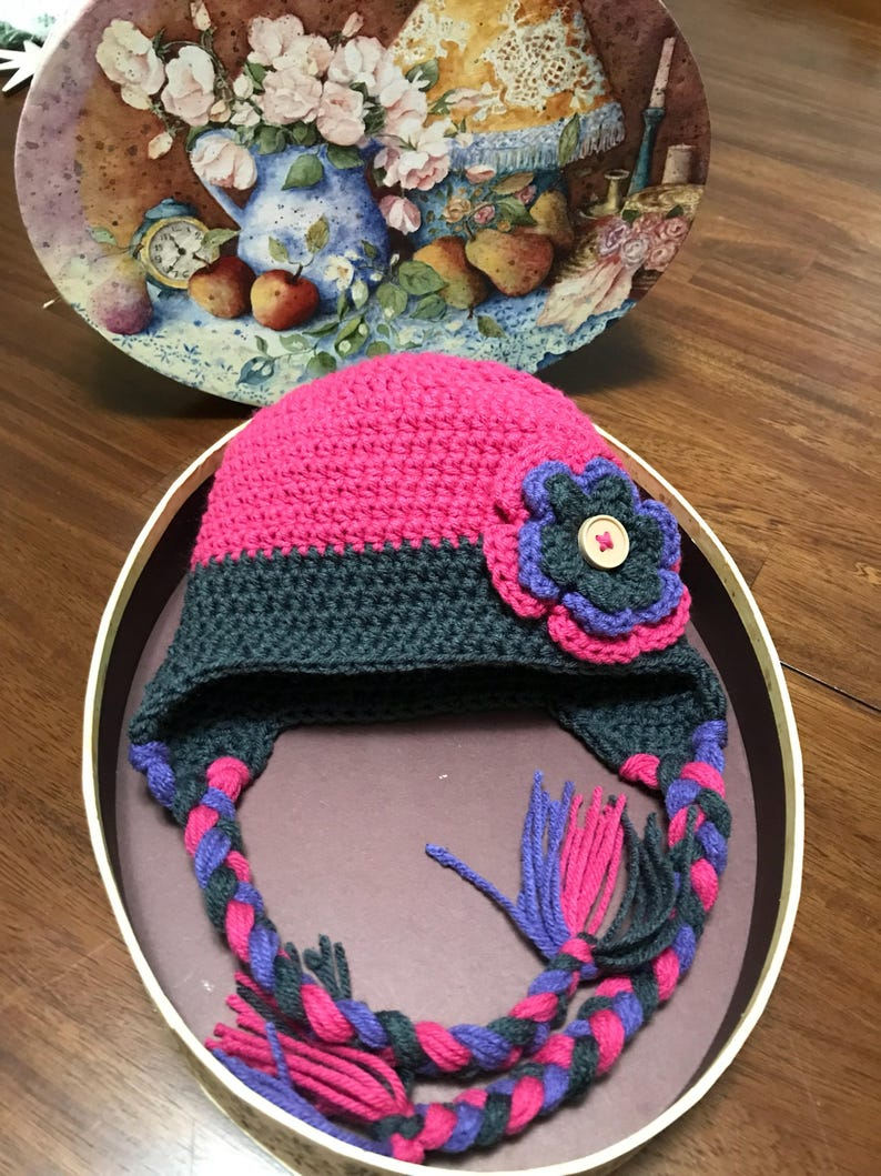 Two-toned Crochet Hat with Flower