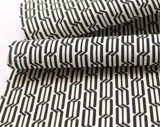 Japanese Vintage Yukata Cotton. Traditional Hand Dyed Fabric. Black White Geometric (Ref: 1814)