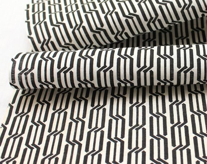 Japanese Cotton. Geometric Cotton. Vintage Fabric. Yukata Cotton. Hand Dyed Fabric. Black and White. Light Cotton Fabric. Geometric Fabric