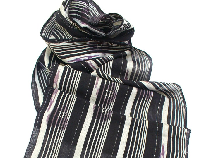 Japanese Kasuri Ikat. Linen Cotton. Traditional Striped Fabric with Gray and Purple. (Ref: 1972C)
