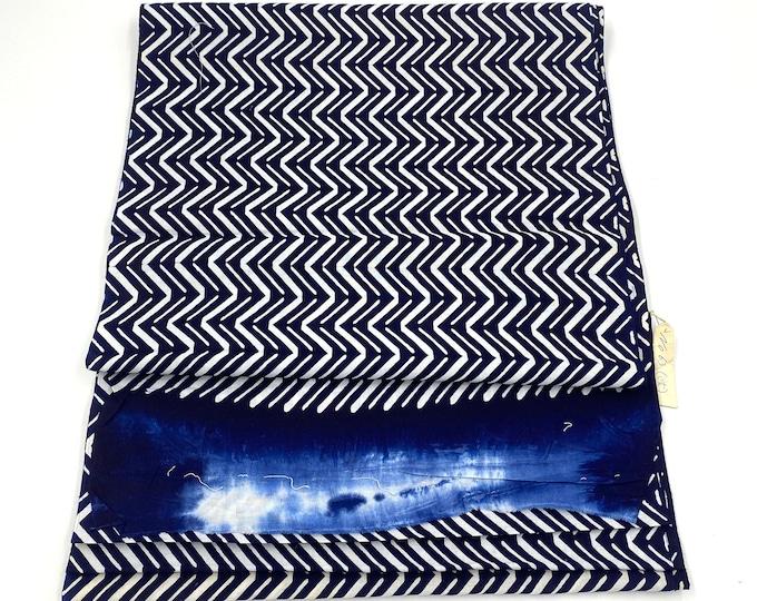 Japanese Cotton. Yukata Cotton. Vintage Japanese. Blue and White Cotton. Hand Dyed Cotton. Geometric Fabric. Cotton Bolt. Vintage Fabric