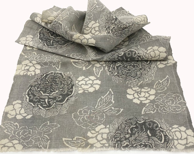 Japanese Katazome. Floral Peony Design. Indigo Dyed. Japanese Indigo. Japanese Fabric. Quilting Fabric. Antique Cotton. Vintage Fabric