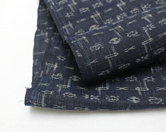 Japanese Kasuri Ikat Hemp Linen. Indigo Woven Fabric. (Ref: 1936C)
