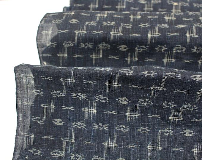 Japanese Kasuri Ikat Hemp Linen. Indigo Woven Fabric. (Ref: 1936A)