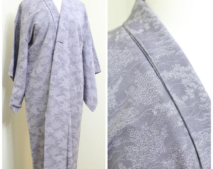 Superior Silk Kimono. Vintage Japanese Robe. Lilac White Floral  (Ref: 24)