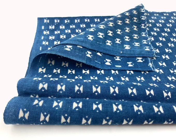 Japanese Katazome. Geometric Design. Indigo Dyed Textile. Japanese Indigo. Japanese Fabric. Quilting Fabric. Antique Cotton. Vintage Fabric