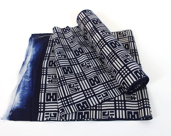 Vintage Japanese. Yukata Bolt. Blue and White. Geometric Cotton. Japanese Cotton. Geometric Fabric. Japanese Indigo. Indigo Cotton. (2084)