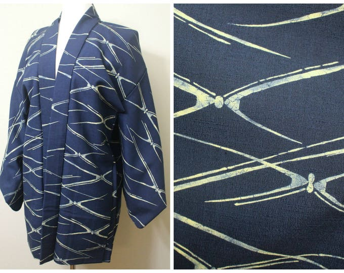 Japanese Haori Jacket. Vintage Silk Coat Worn Over Kimono.  Blue Indigo Layered Dye with Lining (Ref: 1662)