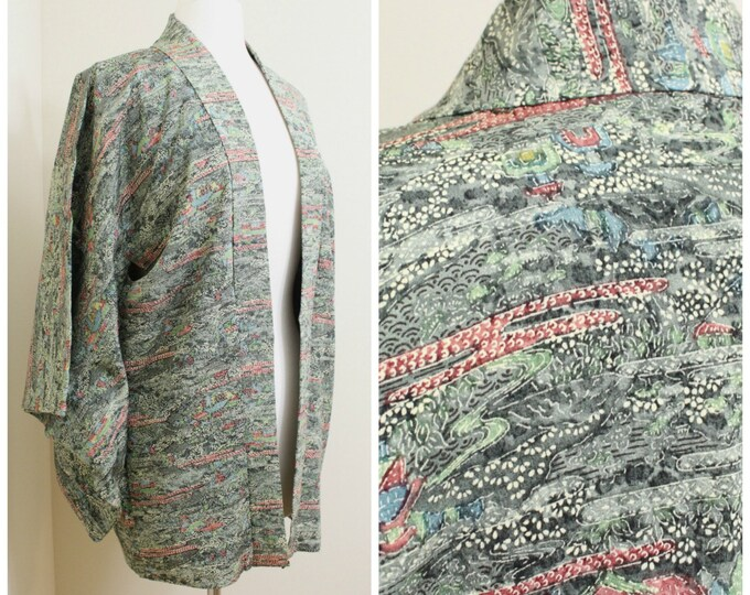 Japanese Haori Jacket. Vintage Silk Coat Worn Over Kimono. Artisan Dyed Crepe Silk in Green Traditional Design (Ref: 80)