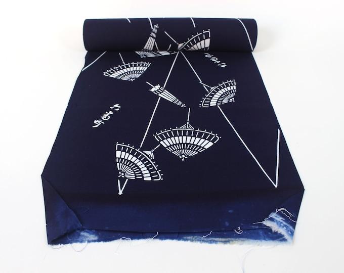 Japanese Cotton. Yukata Cotton. Vintage Japanese. Blue and White Cotton. Hand Dyed Cotton. Japanese Umbrellas. Cotton Bolt. Vintage Fabric