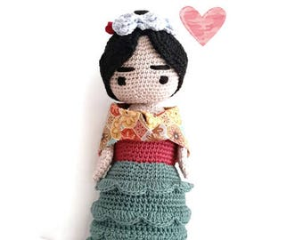 FRIDA KAHLO Amigurumi Doll,  Frida Portrait Doll , Frida Crochet Art Doll, OOAK Frida Doll,  gift for art lover, feminist characters,