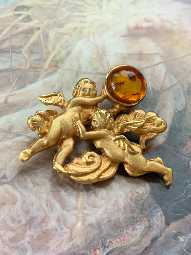 REF 557 Vintage Lewis Stern Signed Brooch PIN Cherubs 60s Brooch Pin Genuine Baltic Amber