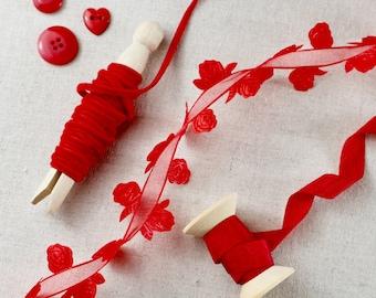 HEARTS /& STITCHES Grosgrain Nordic design Valentine Luxury Wire Edge Ribbon