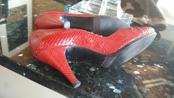 STUART WEITZMAN (SPAIN) Red Patent Leather Round Toe