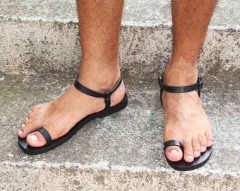 98c7646f7934 DREAM Men - Barefoot leather sandals  men gladiator Greek Roman style  sexy  men toe ring sandals  ancient Greek men sandals