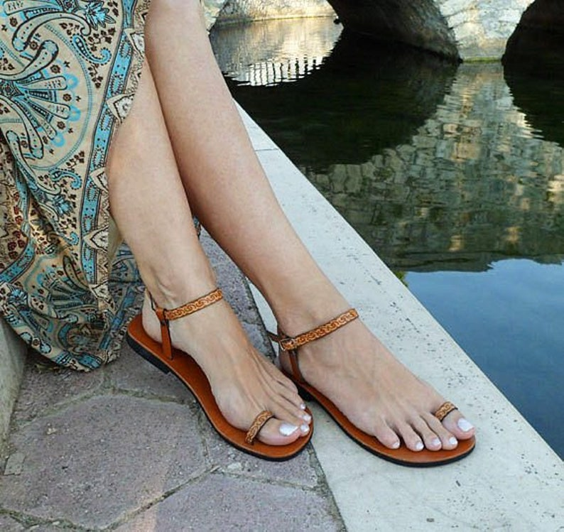 ef764334909 DREAM barefoot sandals  ankle strap sandals  toe ring