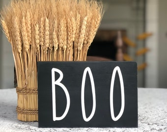 BOO Halloween Sign | Dunn Halloween | Dunn Inspired Halloween Sign | Farmhouse Halloween Sign | Farmhouse Halloween