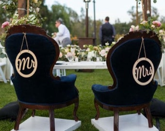 Rustic Mr and Mrs Chair Signs | Wedding Chair Signs | Mr Sign | Mrs Sign | Circle Mr and Mrs Signs | Wedding Photo Prop
