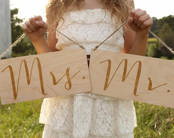 Mr & Mrs Chair Signs | Wedding Chair Sign | Rustic Wedding Signs | Wood Mr Sign | Wood Mrs Sign | Wedding Photo Prop