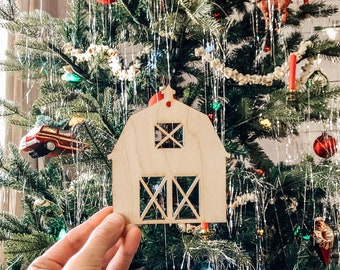 Barn Ornament | Christmas Ornament | Barn Wedding Favor