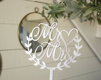 Mr and Mrs Wreath Cake Topper | Wedding Cake Topper | Heart Cake Topper | Free Shipping