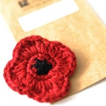 P O P P Y // Remembrance Day // Veterans Day // Red Poppy // Poppy Pin // Crochet Poppy