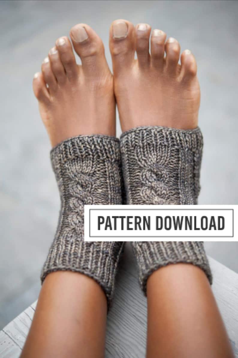 KNITTING PATTERN // Yoga Socks // Yoga Sock Pattern // Knit image 0