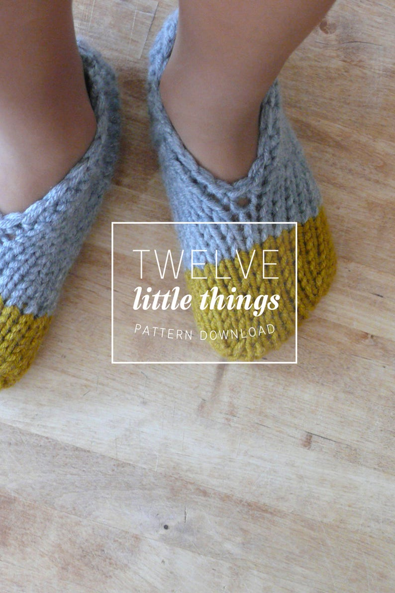 KNITTING PATTERN: Easy Colour Block Slippers // Knit Slippers image 0