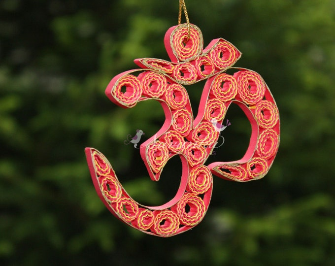 Paper Quilling Om  in a gift box, Om Ornament, Aum Symbol, Yogi Gift, Om Keepsake, Spiritual person gift, Yoga, Hinduism, Buddhism